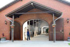 Stallanlage im Gestüt Park Wiedingen. www.galoppfoto.de