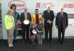 Siegerehrung mit Helga Endres, Trainer Jens Hirschberger, Adrie de Vries, Peter M. Endres (Präsident RV Düsseldorf), Albrecht Woeste (Vizepräsident). Foto: Gabriele Suhr
