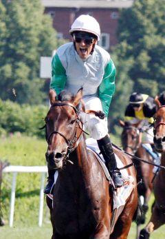 Lucky Speed siegt mit Andrasch Starke im Sparda 144. Deutsches Derby. www.galoppfoto.de - Frank Sorge