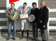Siegerehrung mit Trainer Daniel Chr. Klomp, Toon v.d. Troost, Reinhard Ording, RV Neuss (Foto Suhr)