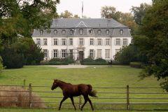 Schloss Schlenderhan - Mittelpunkt des gleichnamigen Traditionsgestüts in Bergheim. www.galoppfoto.de - Sandra Scherning