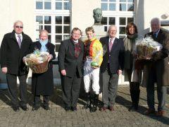 Siegerehrung mit U. Ostmann, P.J. Werning, H. u. P. Endres (Foto: Gabriele Suhr)
