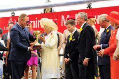 Siegerehrung mit Camilla und Prinz Charles. www.galoppfoto.de - Peeo Ploff