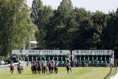 Start zum IDEE 149. Deutschen Derby mit einem nur kleinen 13-er Feld. Foto: Dr. Jens Fuchs
