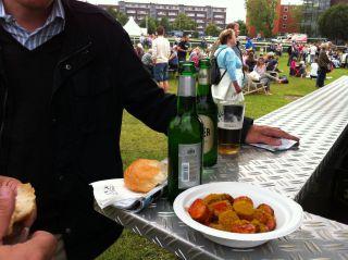 Kam nicht gut weg - die Currywurst. Foto: Catrin Nack