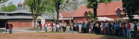 Die Trainingszentrale Wöhler im Gestüt Ravensberg bei der offiziellen Eröffnung am 06.05.2006. Fotos (2): Frank Nolting